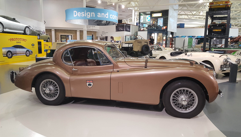 Jaguar XK120 - z wizytą w British Motor Museum by LONG STORY SHORT