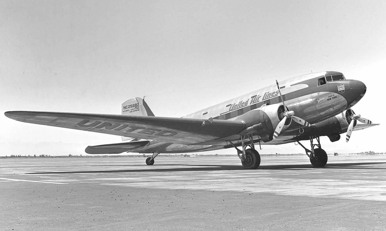 """Douglas DC-3 """"Dakota"""" - podróż w wielkim stylu by LONG STORY SHORT"""