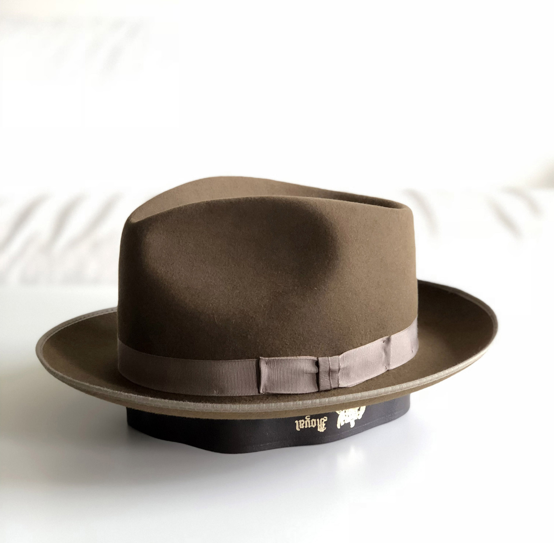 Pielęgnacja kapeluszy by LONG STORY SHORT